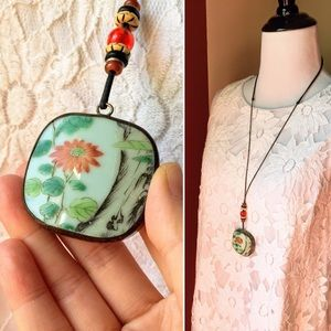 Vintage Asian floral ceramic porcelain necklace